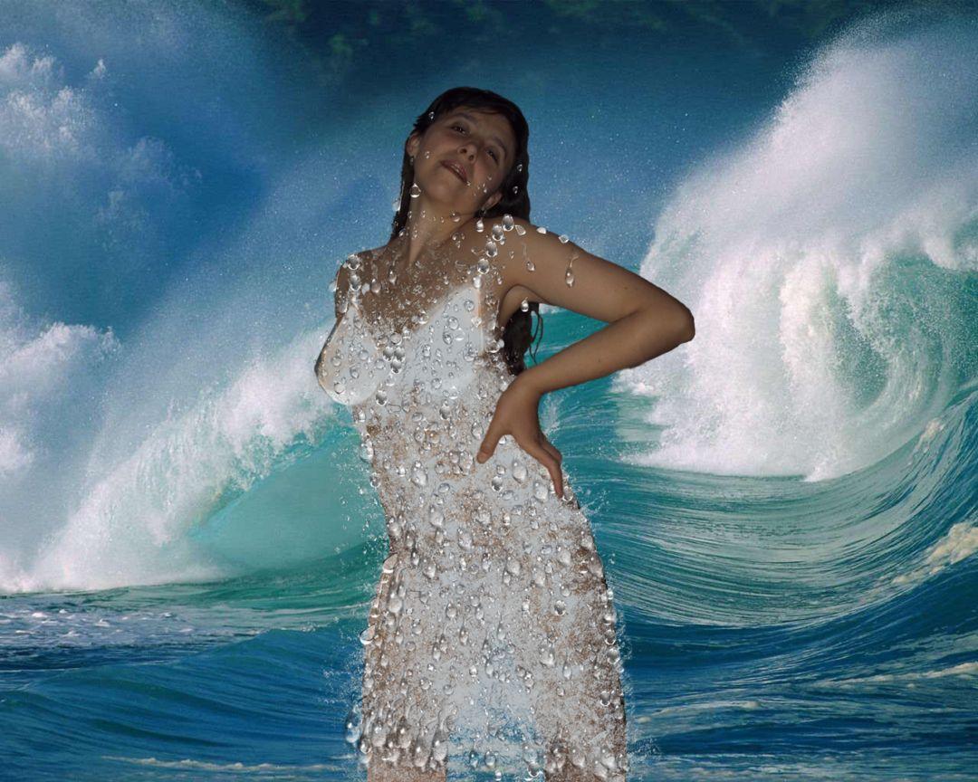 Картинки девушки которая выходит из воды